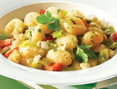 Gnocchi with Leeks, Red Pepper & Feta. But this time, don't bother making homemade gnocchi. Italian Gnocchi, How To Cook Gnocchi, Recipe Makeovers, Gnocchi Recipes, Feta, Recipe Search, Food For Thought, Italian Recipes, Main Dishes