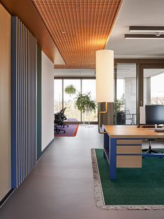 FRAME | How Ippolito Fleitz Group's colourscape reflects the altered role of the office Shared Office, Open Office, Office Spaces, Interior Work, Office Interior Design, Corporate Interiors, Office Interiors, Hub Home, Glass Partition Wall