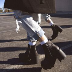 UNIF Boots