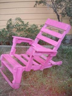 DIY Recycled Wooden Pallet Chair Ideas is also considering this providing seriously to make you acquire with additional benefit in every venture. And we have won in this objective offering you a wide variety of the products with several efficient options. T