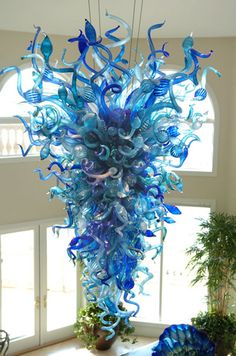 Google Image Result for http://www.stpete.org/chihuly/images/Chihuly_Stonechiper_Chandelier_md.jpg
