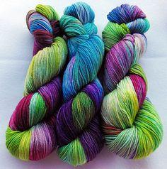 Handpainted MERINO Sock Yarn 75 MERINO  superwash by Piratenwolle