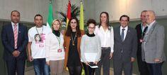 El presidente entrega en el 25N el premio a Ana Isabel, de 12 años, ganadora del Concurso de microrrelatos contra la violencia de género 'Mónica Carrión'