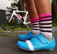#sako7socks #sako7 #sockdoping #sakostyle #sockheight #socks#cool #cycling #cyclingsocks #style #fashion#sako7kit#thesocksmakeththekit #サイクリング #ロードバイク #サイクルウェア