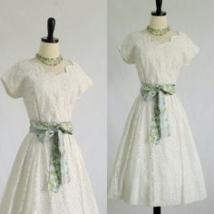 Vintage 1950s Dress 50s Dress Mid Length by SassySisterVintage