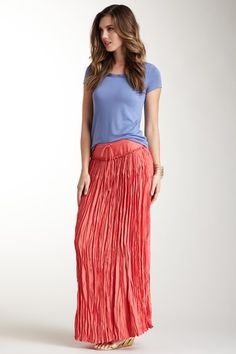 Sadie Pleated Crepe Skirt » Great for a relaxed beach vacation!