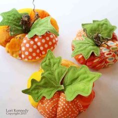 Tuesday Tutorial-The Pumpkin Pin Cushion - Lori Kennedy Quilts Fall Crafts, Diy And Crafts, Sewing Crafts, Sewing Projects, Thread Catcher, Cushion Tutorial, Fall Quilts, Fabric Pumpkins, Sewing Pillows