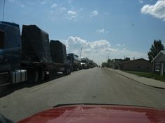 We have just crossed the border into North Dakota. This is traffic backed up at customs waiting to cross into Canada.