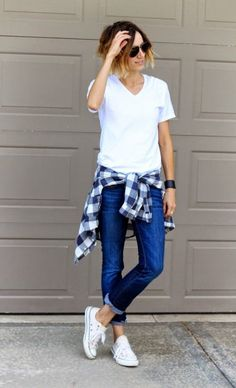 White Shirt And Flannel Top 2017 Street Style