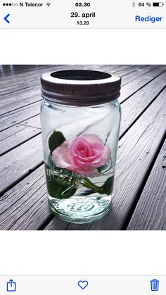 Bilde tatt i 2014. Norgesglass med rose Holidays And Events, Party Planning, Flower Arrangements, Diy And Crafts, Mason Jars, Table Settings, Halloween, Glass, Flowers