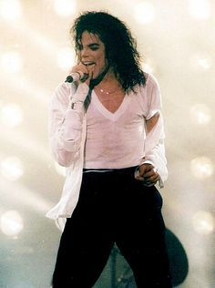 Photo of The Entertainer for fans of Michael Jackson 41273038 Michael Jackson Bailando, Michael Jackson Dance, Michael Jackson Dangerous, Mike Jackson, Jackson Family, Michael Jackson Wallpaper, King Of Music, The Jacksons, American Singers