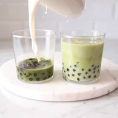 to make vegan Matcha Bubble Tea at home! Easy, delicious and much healthier than your average tea shop bubble tea. Yummy Drinks, Healthy Drinks, Healthy Recipes, Vegan Tea Recipes, Hot Tea Recipes, Healthy Cafe, Healthy Food, Green Tea Recipes, Vegan Recipes Videos