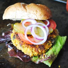 Pumpkin-Black Bean Burgers http://www.prevention.com/food/healthy-recipes/healthy-recipes-pumpkin-puree?slide=9