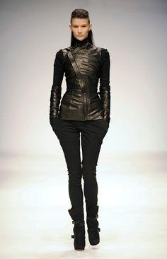 Todd Lynn Fall 2010 Ready-to-Wear Fashion Show - Tara Gill Bold Fashion, Fashion Show, Fashion Design, Traditional Outfits, Streetwear Fashion, Casual Wear, Ready To Wear, Leather Pants, Street Wear