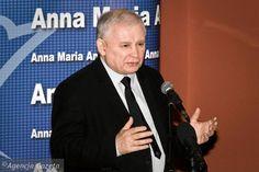 Tymczasem z mojego punktu widzenia: Kaczyński to: absolutny, niezaprzeczalny, totalny, full-absurdalny- ABSURD. I fakt ten oczywisty, to oczywiście oczywistość najoczczywićcienieniejsza ze wszystkich oczywistych oczywistości - jak w dym!