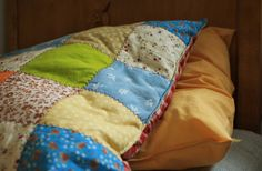 quilt pillow Quilt Pillow, Soft Furnishings, Country Life, Cottage, Dreams, Quilts, Pillows, Bags, Handbags