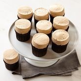 these look so delicious, i absolutely love how the frosting is shaped