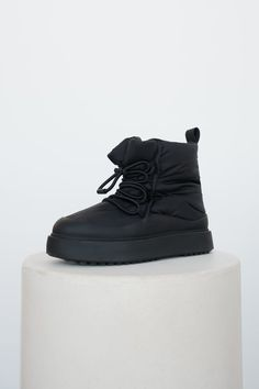 Nylons, Lace Up Ankle Boots, Zara United States, Color Negra, Low Heels, High Top Sneakers, Womens Fashion, Shoes, Black