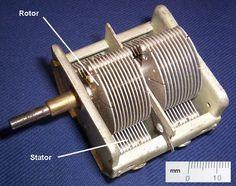 Rotary variable capacitor