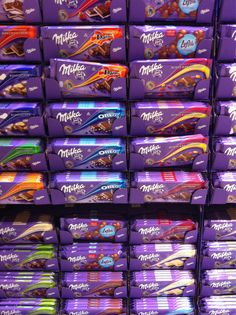 milka, chocolate, and food imageの画像 Milka Chocolate, Bad Room Ideas, Junk Food Snacks, Supermarket Design, Pizza And More, Photo Memories, Candy Shop, Diy Food, Aesthetic Wallpapers
