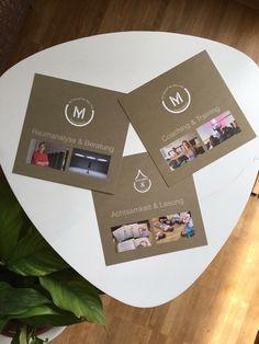 Das Firmenlogo auf individuellen Flyern und Karten. Sie zeigen das ganze Portfolio unserer Kundin. Logo Design, Container, Portfolio, Logos, Company Logo, Postcards, Logo