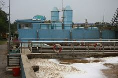 xây dựng nhà máy nước thải ở Tp . HCM