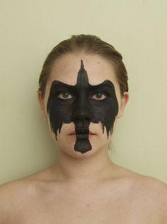 Crow (facepaint,crow,bird,black bird,blackbird,girl,art,painting,portrait,beautiful)