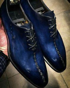From blue to black….- From blue to black…. From blue to black…. (à Altan (bottier)) - Mens Shoes Boots, Leather Shoes, Shoe Boots, Hot Shoes, Blue Shoes, Formal Shoes, Casual Shoes, Casual Sneakers, Men Dress