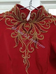 Hand Embroidery Dress, Couture Embroidery, Embroidery Motifs, Embroidered Clothes, Embroidery Designs, Shadi Dresses, Pakistani Dresses, Dress Neck Designs, Blouse Designs