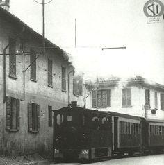 """Il Gamba de Legn entra a Sedriano, anni '50   """"il Gamba de Legn - fermata Cascine Olona"""" di Matteo Mattarozzi"""