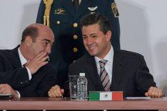 Mientras Enrique Peña Nieto se placea por el continente europeo y, de la mano del procurador de la República y el director de Pemex, ofrece ...