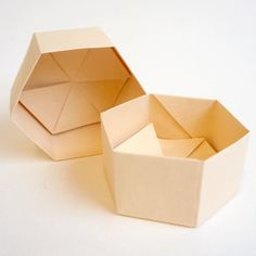 Origami Hexagon Gift Box - Leathac Rouketsu Origami Gift Box, Wedding Party Favors, Little Boxes, Gift Boxes, Small Gifts, Chocolate, Paper, Handmade, Hand Made