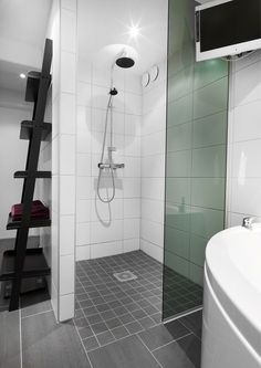 Kar, Marte Exterior Design, Interior And Exterior, Bathroom Inspo, Bathroom Ideas, Small Bathroom, Bathrooms, Teak Furniture, Bathroom Renovations, Scandinavian Design