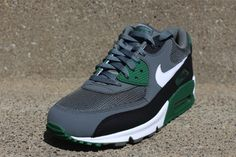 Nike Air Max 90 Essential - Mercury Grey / White   Gorge Green