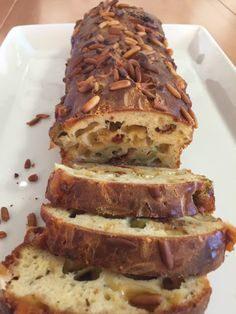 Liian hyvää: Ranskalainen oliivi-tomaattileipä Savory Pastry, Savoury Baking, Daily Bread, Scones, Bread Recipes, Banana Bread, Sandwiches, Rolls, Food And Drink