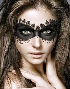 Pretty-Halloween-Makeup-Ideas-8.