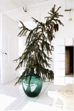 Christmas Tree Decor | Remodelista