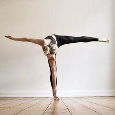 twisted half moon | yoga