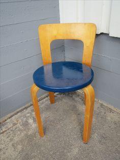 Artek, Aallon vanhempaa tuotantoa oleva tuoli 65. Patinaa.  MYYTY.