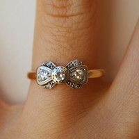 WANT! 1920's Platinum, Diamond & 18k Gold Ribbon Bow Ring Size US 6