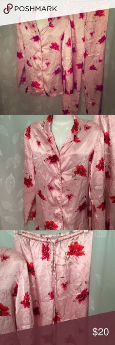 BALERIE STEVENS pajamas pink poppies love script Polyester satin soft and sleek pajamas. Pink background with blooming poppies and love-inspired script. Size medium. Very good condition. Valerie Stevens Intimates & Sleepwear Pajamas