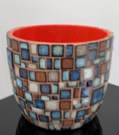 Mosaic Planters, Mosaic Garden Art, Mosaic Tile Art, Mosaic Flower Pots, Mosaic Artwork, Mosaic Crafts, Mosaic Projects, Mosaic Glass, Butterfly Mosaic