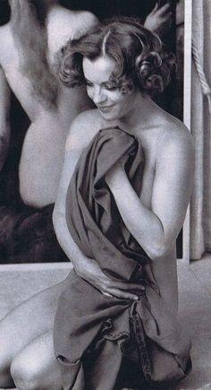 Romy Schneider in den Siebzigern Romy Schneider, Figure Photography, Portrait Photography, Vintage Hollywood, Classic Hollywood, Old Photos, Vintage Photos, Mädchen In Uniform, Vintage Photography