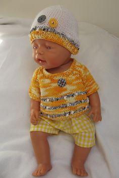 "Oblečky pro panenky - \""Jarně žlutý komplet\"" Preemie Clothes, Baby Born, Knitted Dolls, Ag Dolls, Girl Doll Clothes, Pullover, American Girl, Knitting Patterns, Crochet Hats"