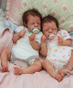 Tina Kewy and OoPsy DaIsy brings us twins