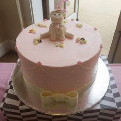 Babyshower cake. Pink lamb for baby girl