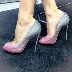 Sparkly pink and gray peep toe heels. Tacchi Close-Up #Shoes #Tacones #Heels