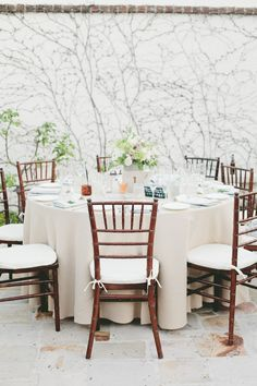 #tablescapes gorgeous outdoor setting for the reception | Photography by onelove-photo.com, Florals by http://floraloccasions.com  Read more - http://www.stylemepretty.com/2013/08/22/san-juan-capistrano-wedding-from-onelove-photography/