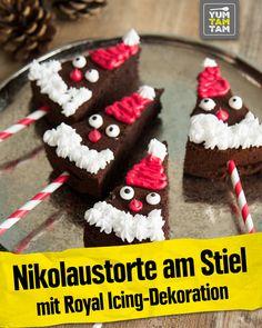 Nikolaustorte am Stiel mit Royal-Icing-Dekoration - New Ideas Christmas Brunch, Christmas Holidays, Xmas, Gingerbread Cookies, Food And Drink, Cake, Party, Desserts, Kindergarten