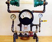 Ähnliche Artikel wie VERKAUFT!  Edison-Lampe, Jahrgang Ampere Meßinstrument, Steampunk/Industrial-Lampe, 2 Isolatoren, Druck Gages, viel Messing + mehr! auf Etsy